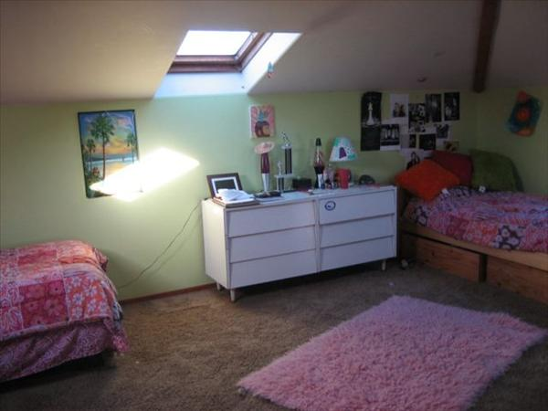::Looks Like:: Upstairs_room_with_2_beds